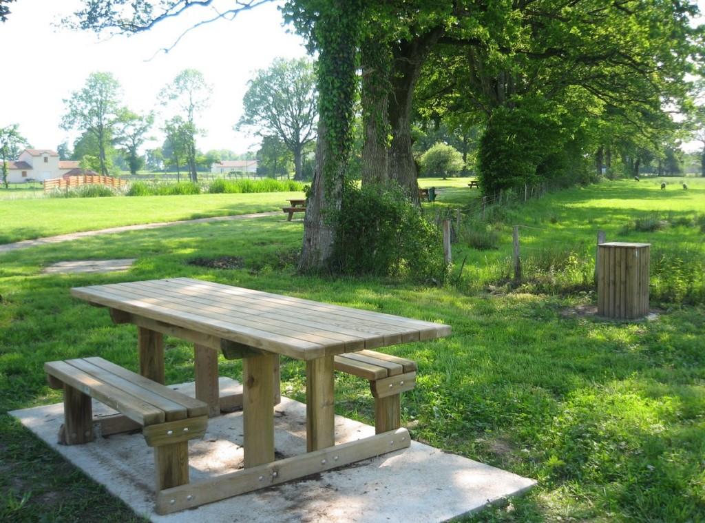Table pique-nique - Aménagements Bois pour Collectivités - Jean-Paul Husson